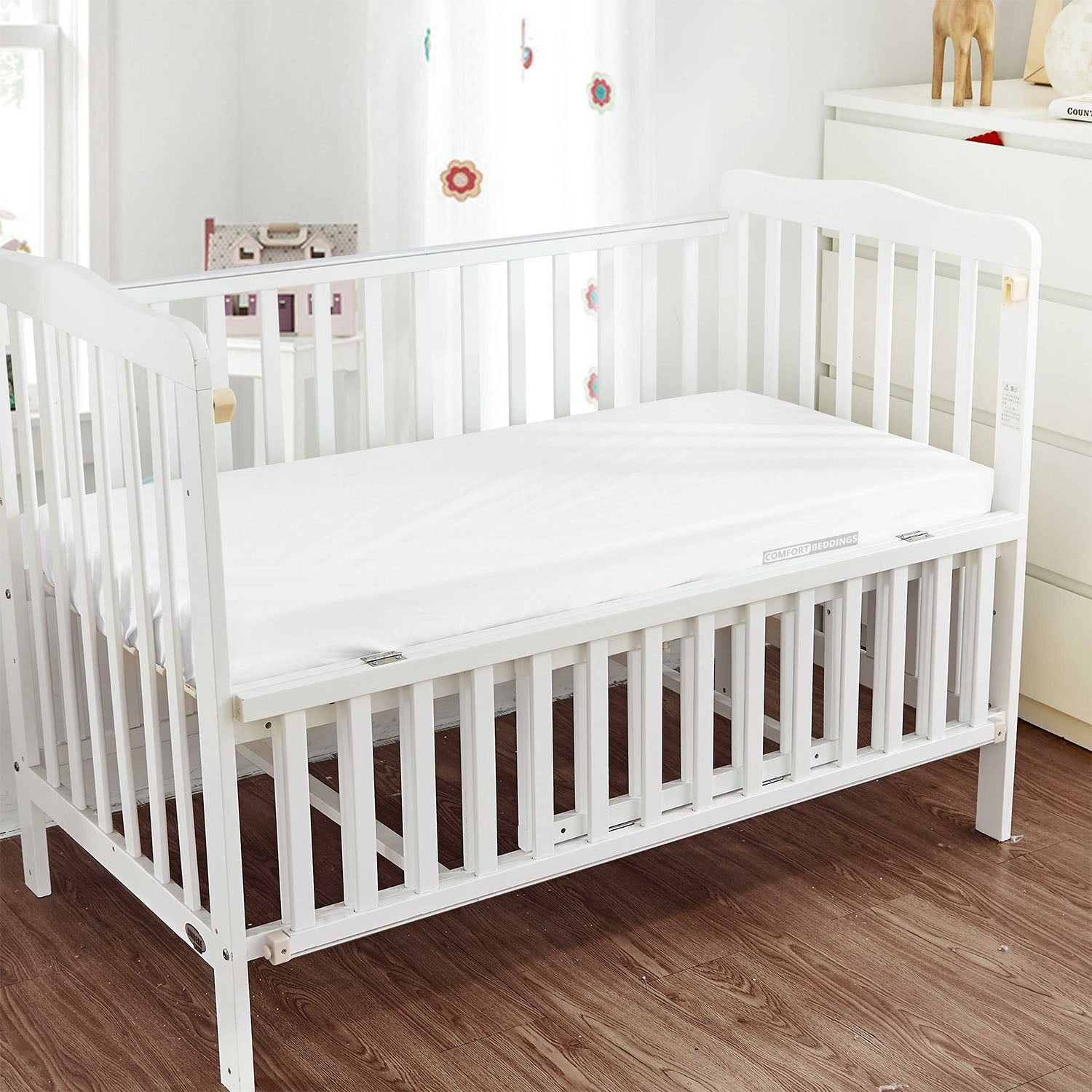 Luxurious White Fitted Crib Sheets