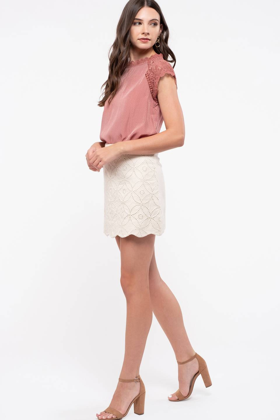 LACE COMBINATION SLEEVE TOP