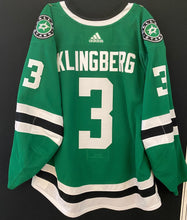 Load image into Gallery viewer, JOHN KLINGBERG 18/19 GAME WORN HOME JERSEY SET 3 - 1