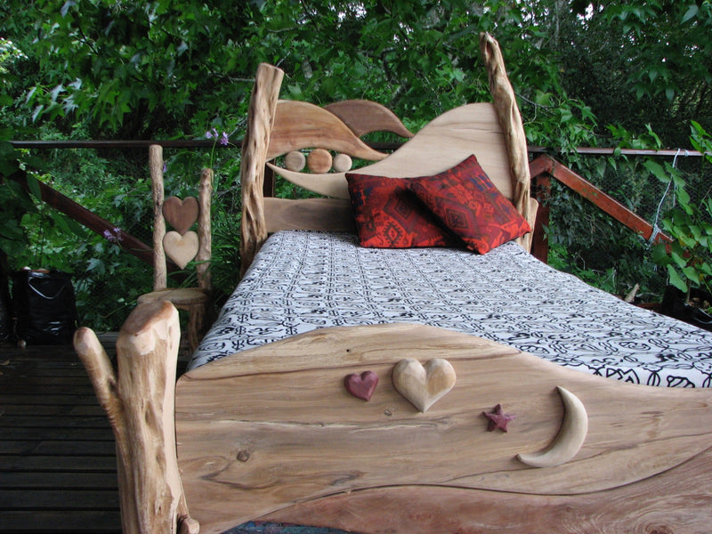 magical-fairy-driftwood-bed