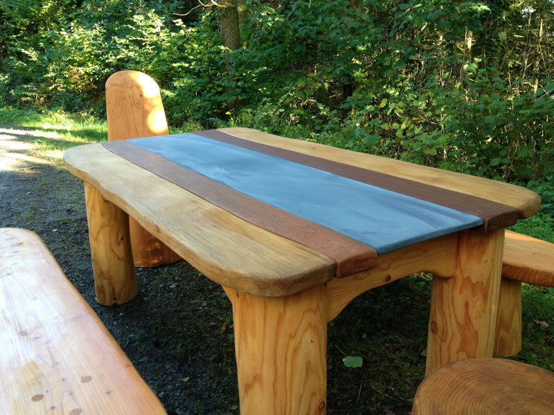 chunky-outdoor-dining-room-table