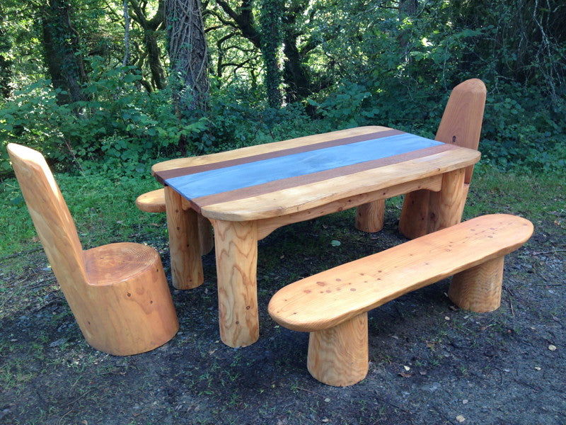outdoor-table-benches