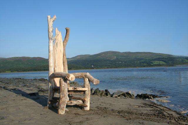 driftwood storytellers chair 05