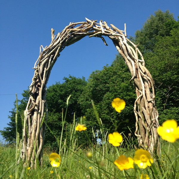 driftwood wedding arch 06