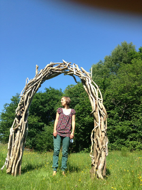 driftwood wedding arch 10