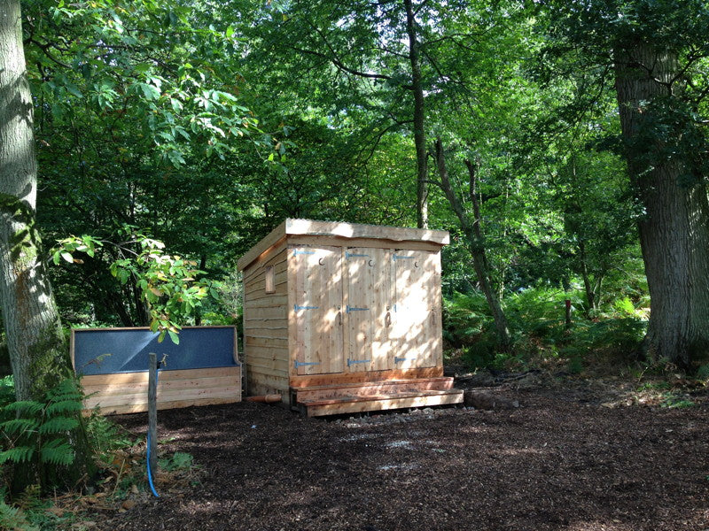 composting-toilet-in-woods-2