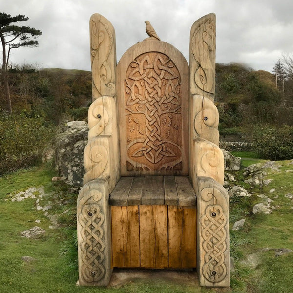 giant wooden carved throne