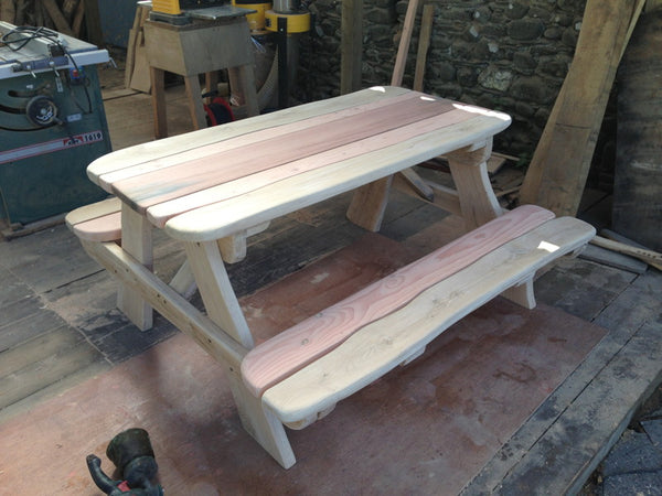 oak and jarah picnic table