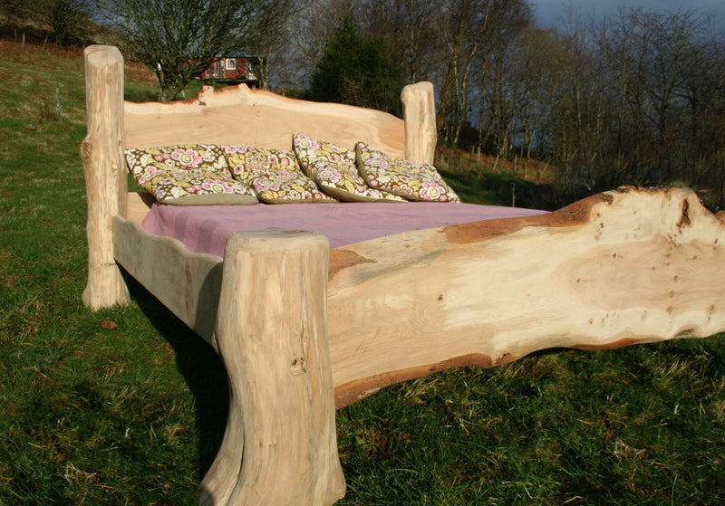 rustic oak driftwood bed 02