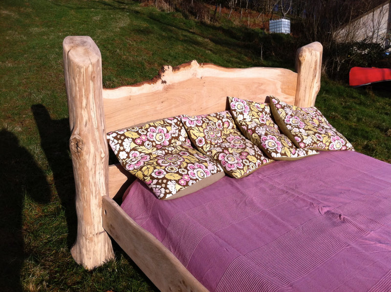 rustic oak driftwood bed 04