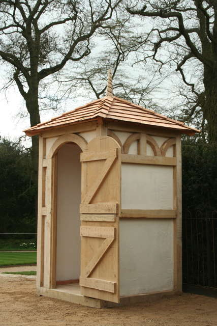 oak-framed-sentry-shed
