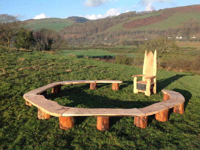 circular bench for school