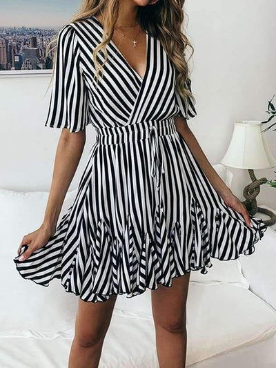 Fashionable Printed Stripe Lace Short Sleeve Skater Dresses