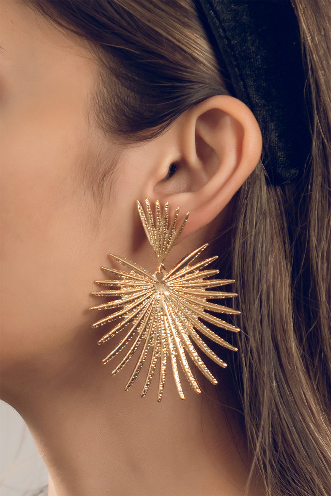 Golden fan earrings