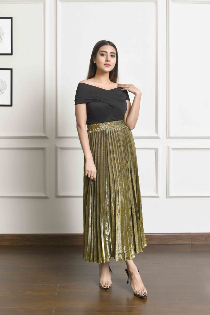 Golden Maxi pleated skirt