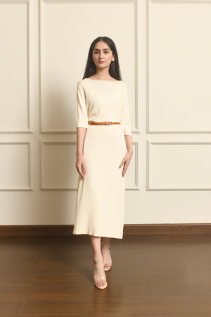 Half sleeves ribbed knit midi dress with belt