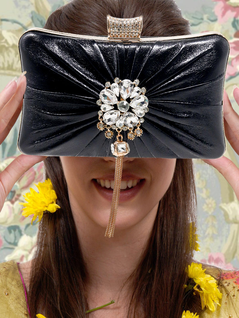 Black leatherette appealing clutch!