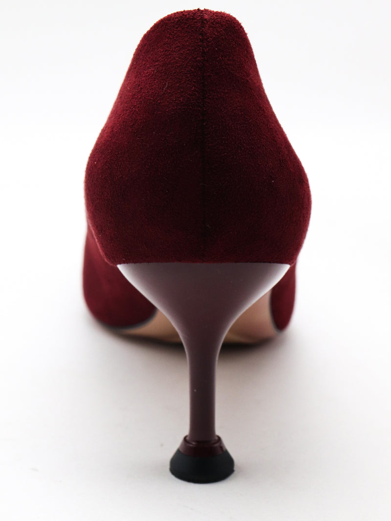 Maroon cosy and simple stilettos