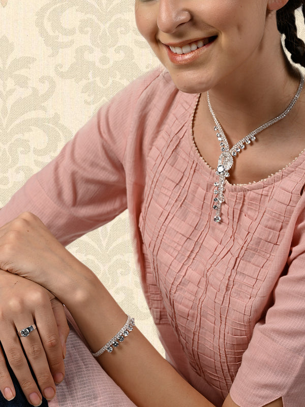 Sizzling Silver Necklace Set