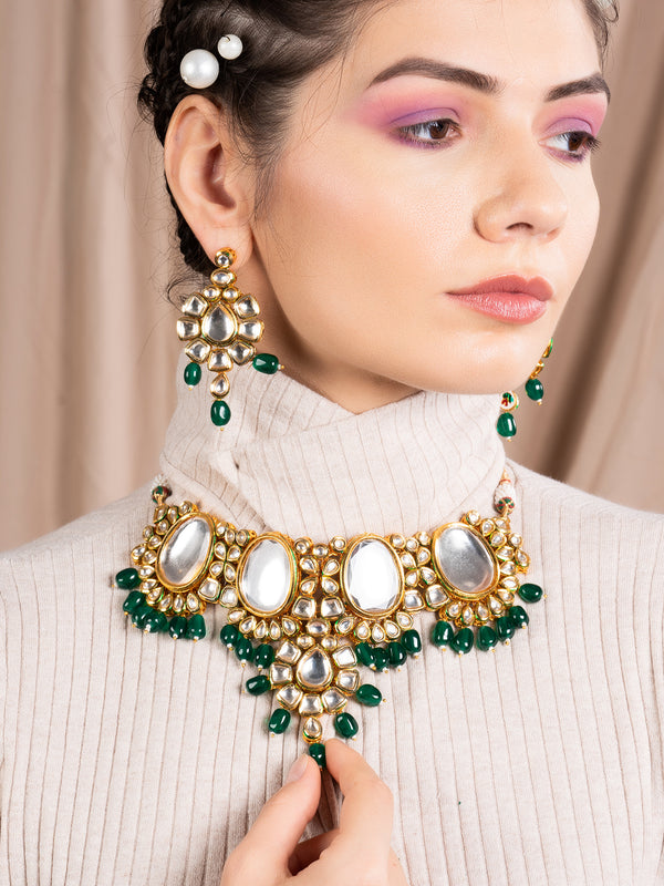 Bottle Green Mani and Kundan Choker with Earrings