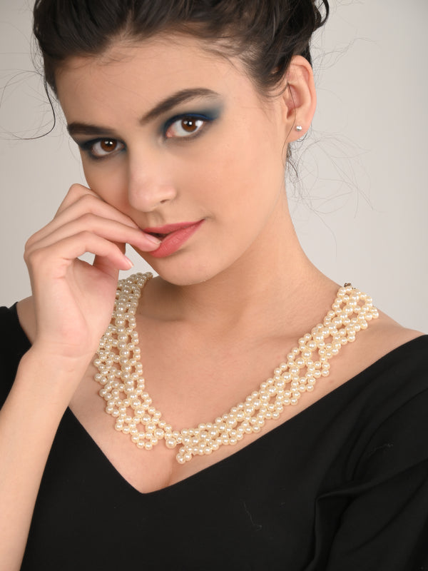 Collared White Pearl Attractive Necklace