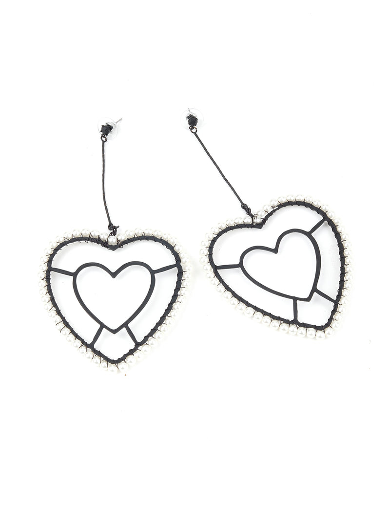 Black Heart Shaped Earring With White Pearls.