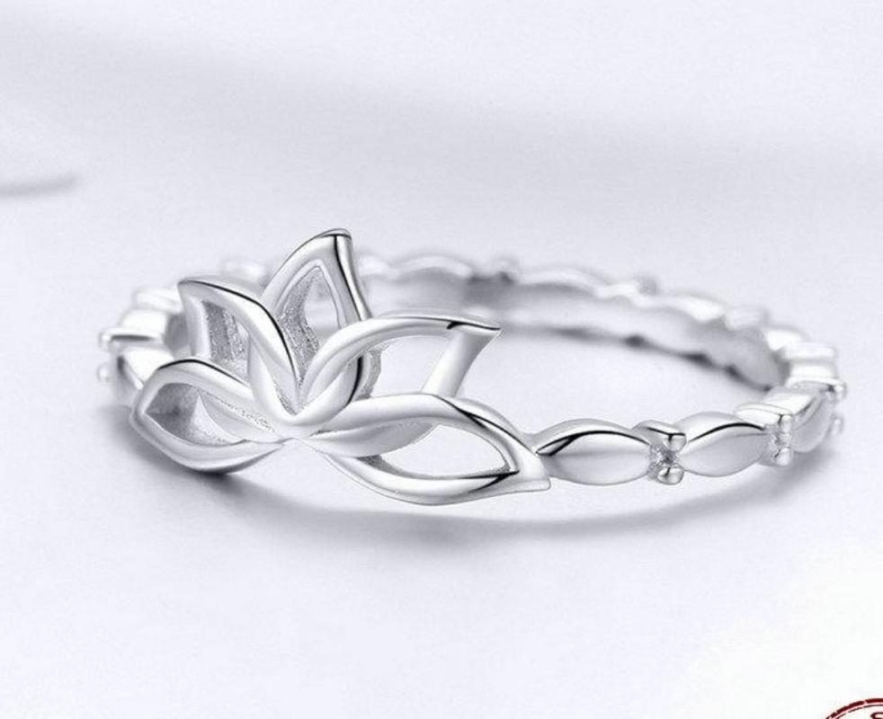 Silver Flower Engagement Ring