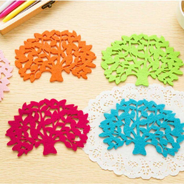 5 X MULTI-COLOURED TREE SHAPED PLACEMATS SET.