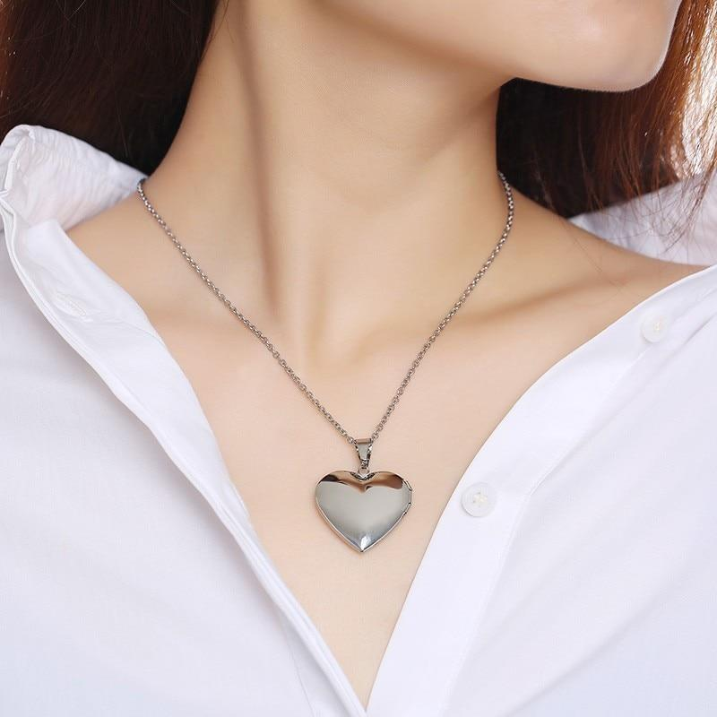 Custom Photo Frame Heart Locket  Pendant Necklace for Women