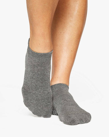 Pointe Studio Charcoal Union Grip Socks