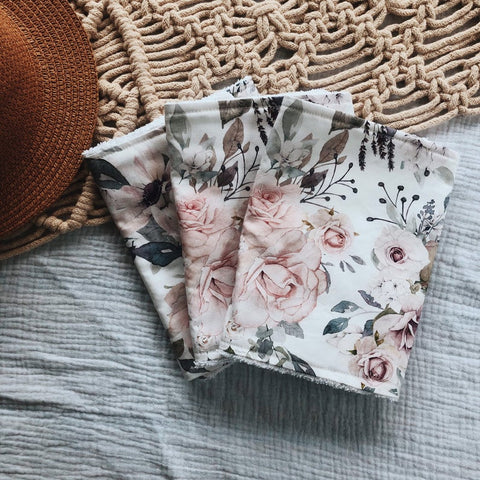 White and Lavender Rose Cloth Gift Set