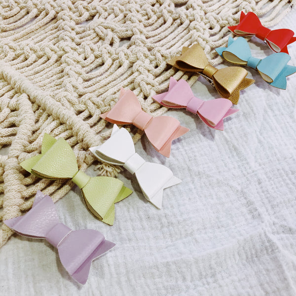 Leatherette Bow Clips