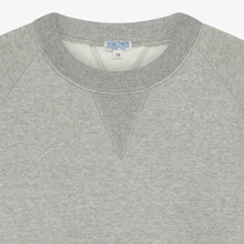 Load image into Gallery viewer, buzz-raglan-sweat-grey