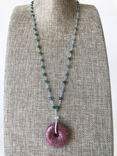 Load image into Gallery viewer, RHODONITE DONUT PENDANT NECKLACE
