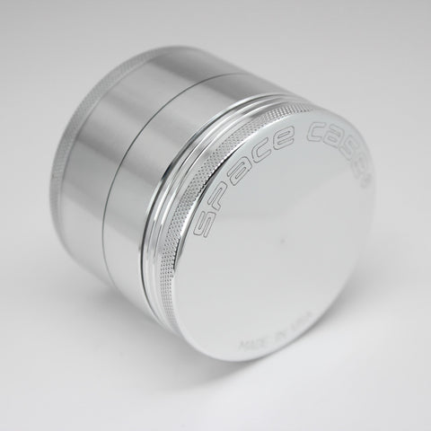 Space Case Medium 4 Piece Aluminum Grinder - dankrips