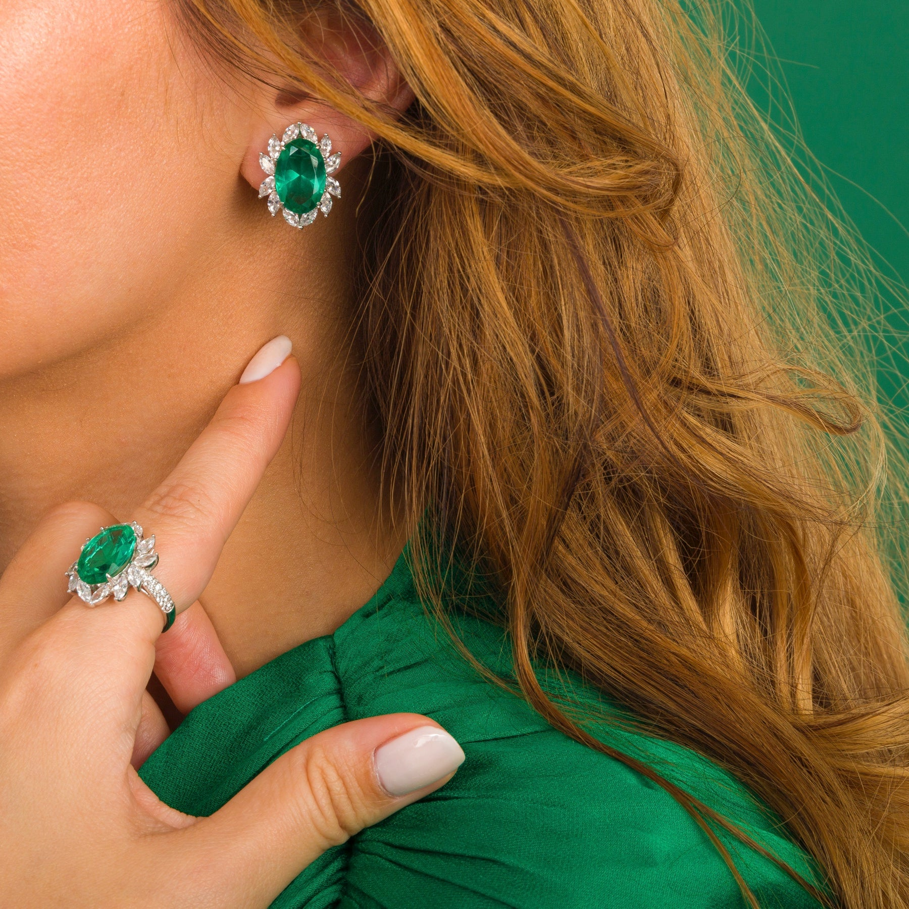 ROYAL SET earring and ring with emerald green stone