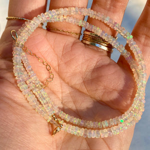 magic opal necklace (golden)