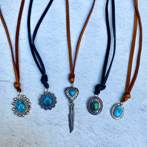 happy trails necklace (turquoise/cognac)
