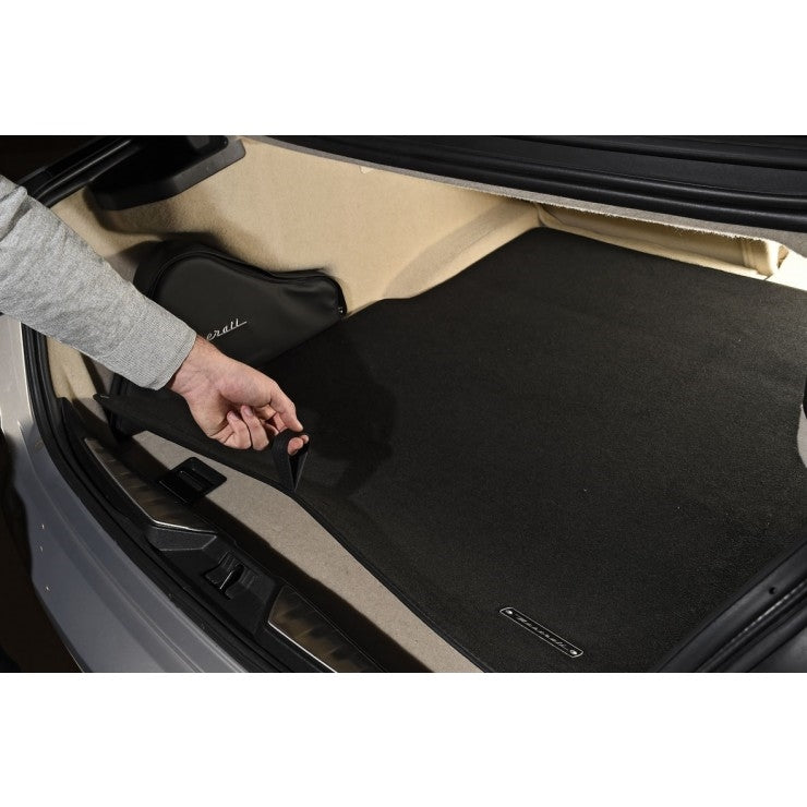 Reversible Luggage Compartment Mat For The Quattroporte