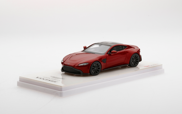 Aston Martin 1:43 Scale Model New Vantage - RED