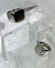 Load image into Gallery viewer, Lorena Signet Ring Silver