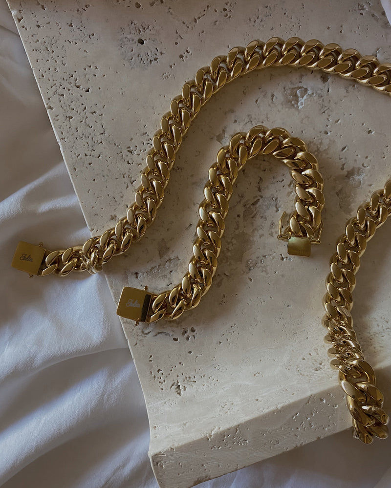 ON THE DAILY Gold Chain Necklace