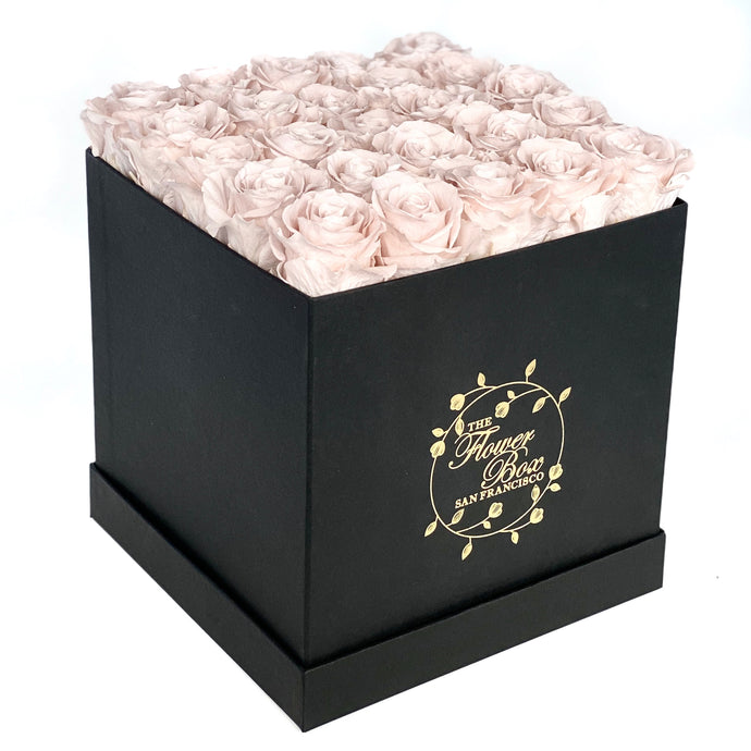 Black Flower Box - 16 Roses