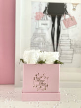 Load image into Gallery viewer, Pearl Pink Flower Box - 4 Roses