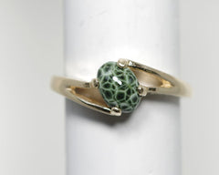 7x5 Greenstone ring 14ky gold open slant setting