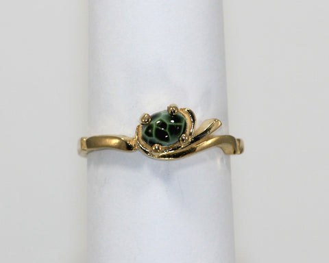 6 x 4mm Greenstone Ring with 14 ky gold petite setting