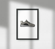 Laden Sie das Bild in den Galerie-Viewer, Yeezy Boost 350 Turtle Dove - Artliv Shop | Sneaker & Streetwear Posters