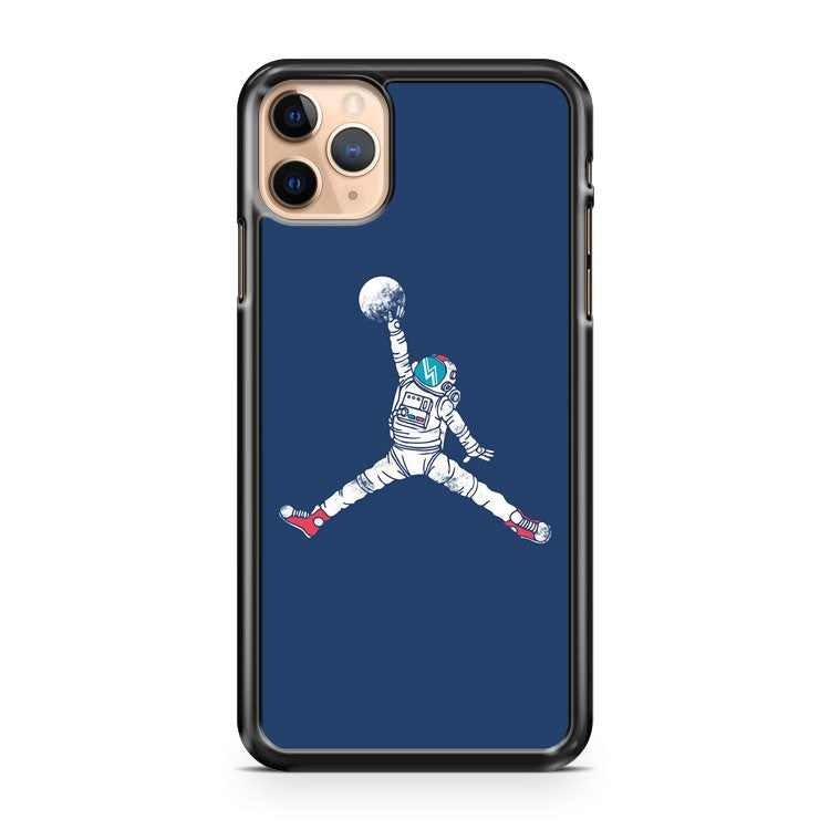 Space Dunk iPhone 11 Pro Max Case Cover