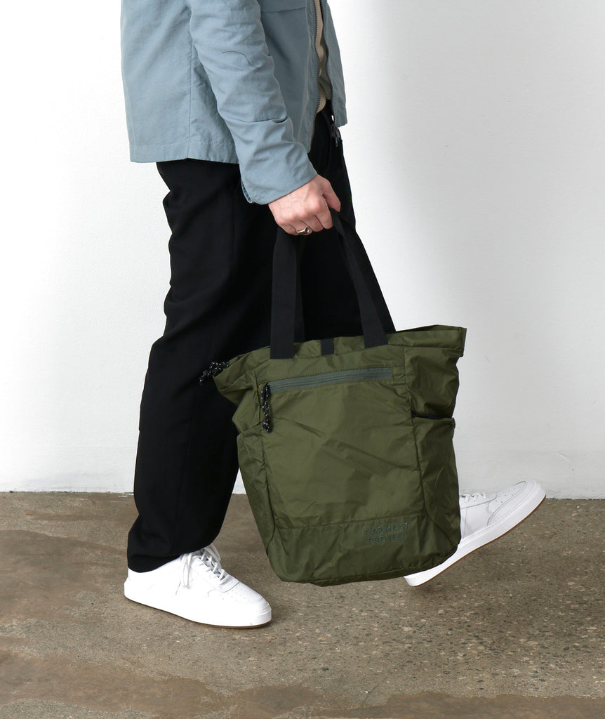GARMENT PROJECT MAN GP Light Travel Bag - Army Bags 240 Army