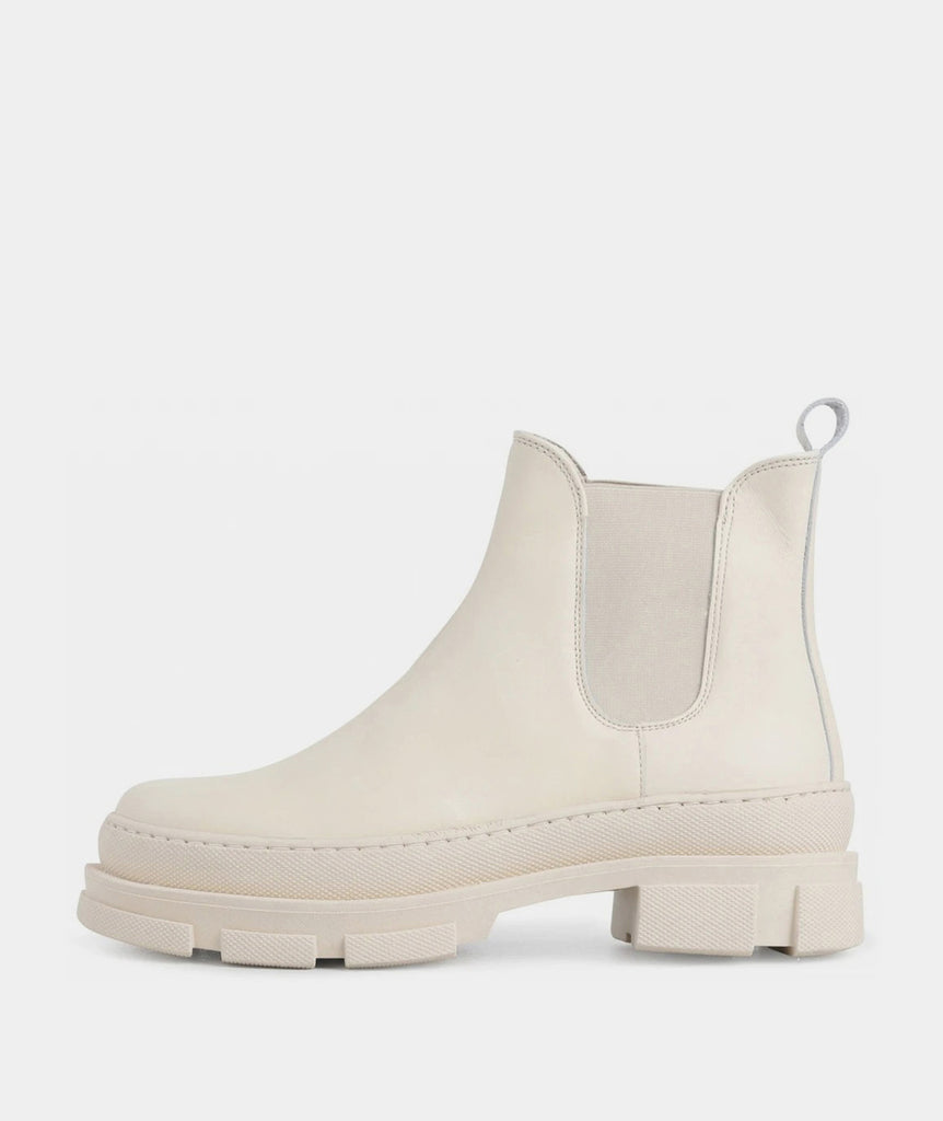 GARMENT PROJECT WMNS Irean Chelsea - Off White Leather Boots 110 Off White